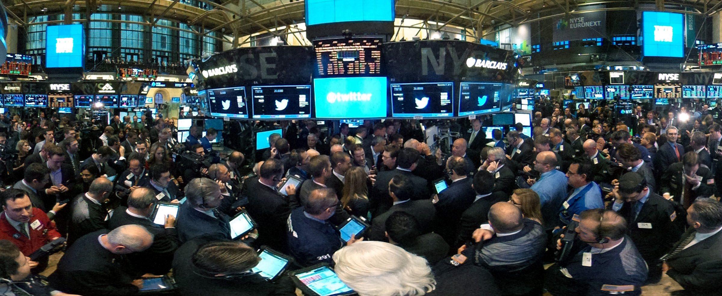 new-york-stock-exchange-trading-floor-6763750