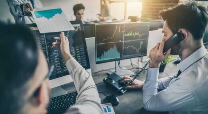 Rủi ro khi bán khống là gì?