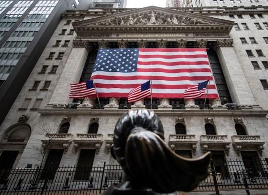 Cổ phiếu Phố Wall phục hồi khi báo cáo sử dụng lao động lạc quan trở lại, căng thẳng Trung - Mỹ suy giảm