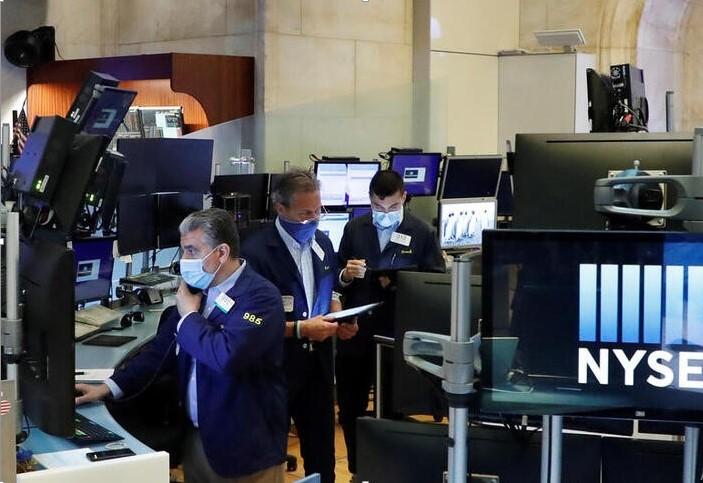 Chứng khoán Wall Street nhảy vọt sau khi dữ liệu thị trường lao động được cải thiện bất ngờ