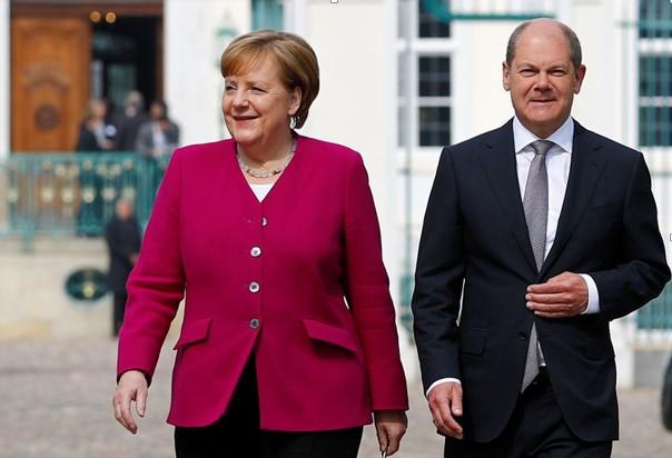 Cổ phiếu: DAX đạt đỉnh 12,000 điểm khi Đức tăng tốc