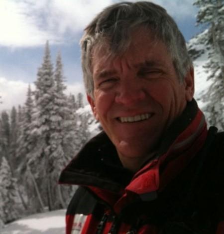 Steven B.Achelis là tác giả của quyển sáchPhân tích kỹ thuật từ A đến Z