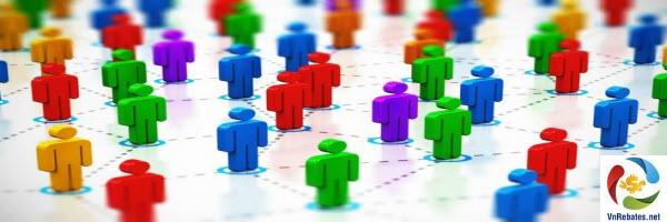 Vàng hấp dẫn phần lớn đám đông bởi sự đa dạng và thành phần tham gia với các mục đích đầu tư vàng trái ngược nhau